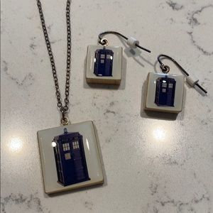 Blue tardis Dr. Who earrings and necklace set